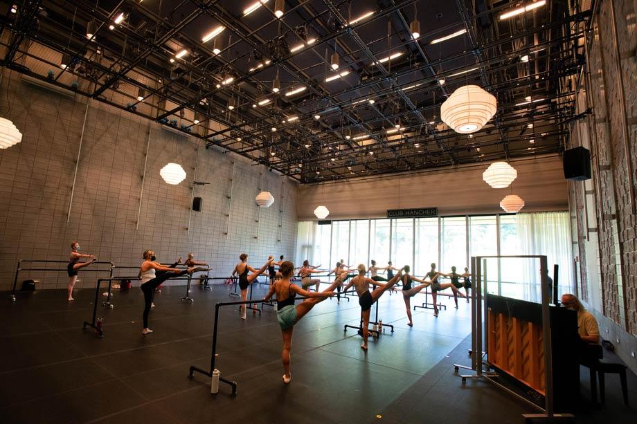 Ballet class in Strauss Hall at Hancher Auditorium, August 27, 2020 (Photo: Justin Torner)