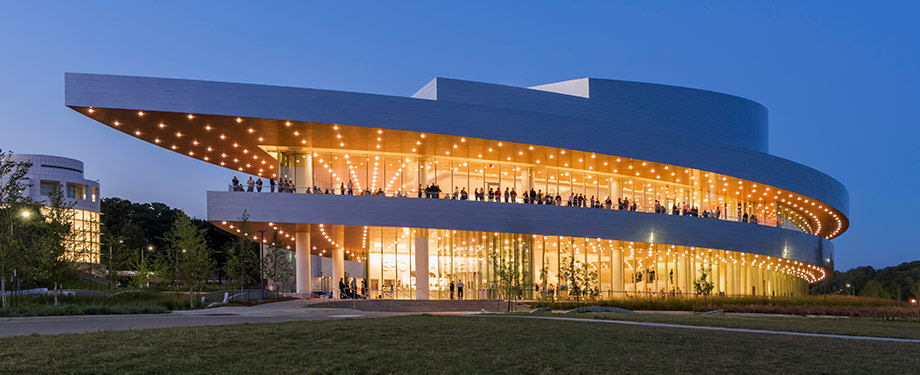 Hancher Auditorium (Photo: Jeff Goldberg/Esto)