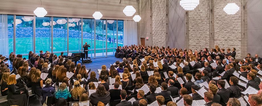 Strauss Hall (Photo: Jeff Goldberg/Esto)