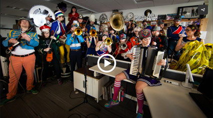 Mucca Pazza video preview